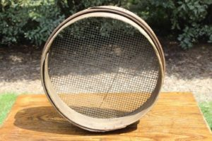 Round Wooden Sifter