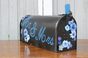 Tabletop Mr. & Mrs. Mailbox