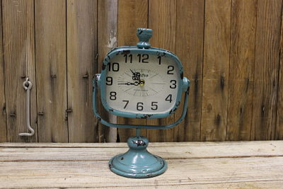 Vintique Rental-Wisconsin Wedding Retro Clock