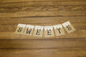 "Top Lace ""Sweets"" Banner"