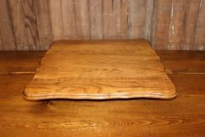 Oak Curved Square Spool Riser