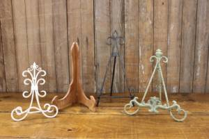 Assorted Tabletop Easels-M