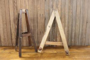 Assorted Tabletop Easels-XL