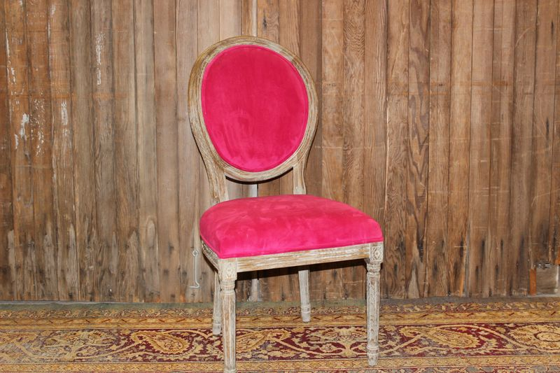 Merveilleux Bright Pink Velvet Chairs