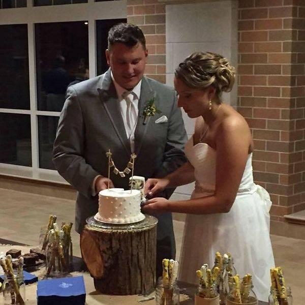 Stump for sweetheart cake