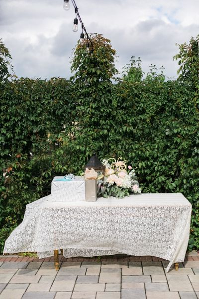 Lace Tablecloths & Door Top Table