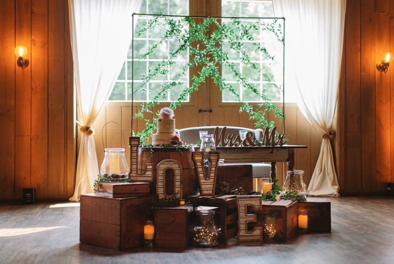 Rustic Garden Sweetheart Table