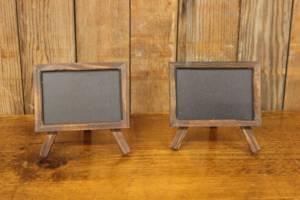 F291: Wooden Mini Chalkboard Easel Ids