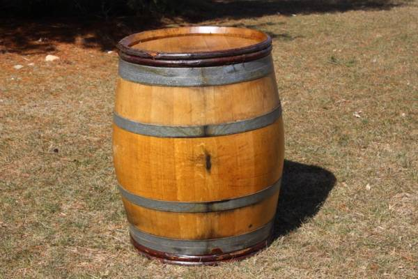 Saury Willow Strapped Wine Barrel